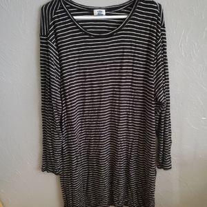 XXL Black & White striped long-sleeved tunic